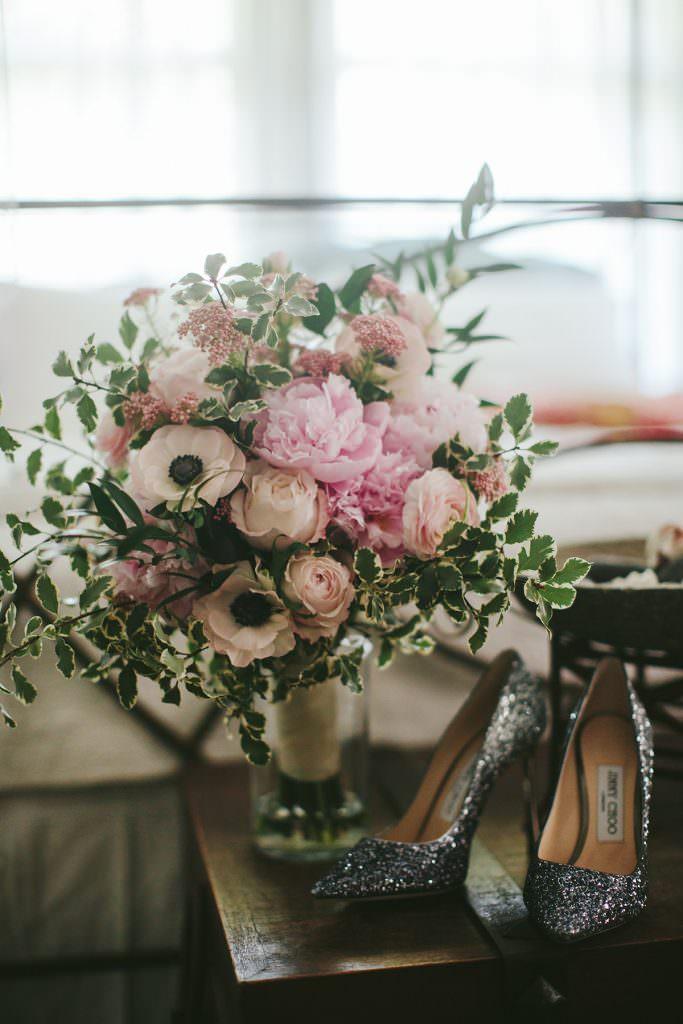 jimmy choo glitter heels and bouquet in maui www.melialucida.com