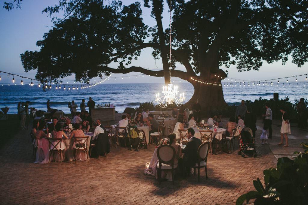 outdoor wedding reception by the ocean #olowalu #wedding