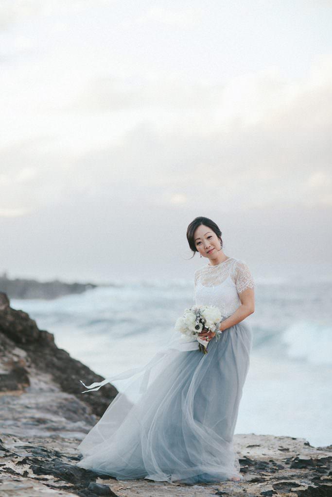 maui bride wearing blue www.melialucida.com #hawaii #maui #bride