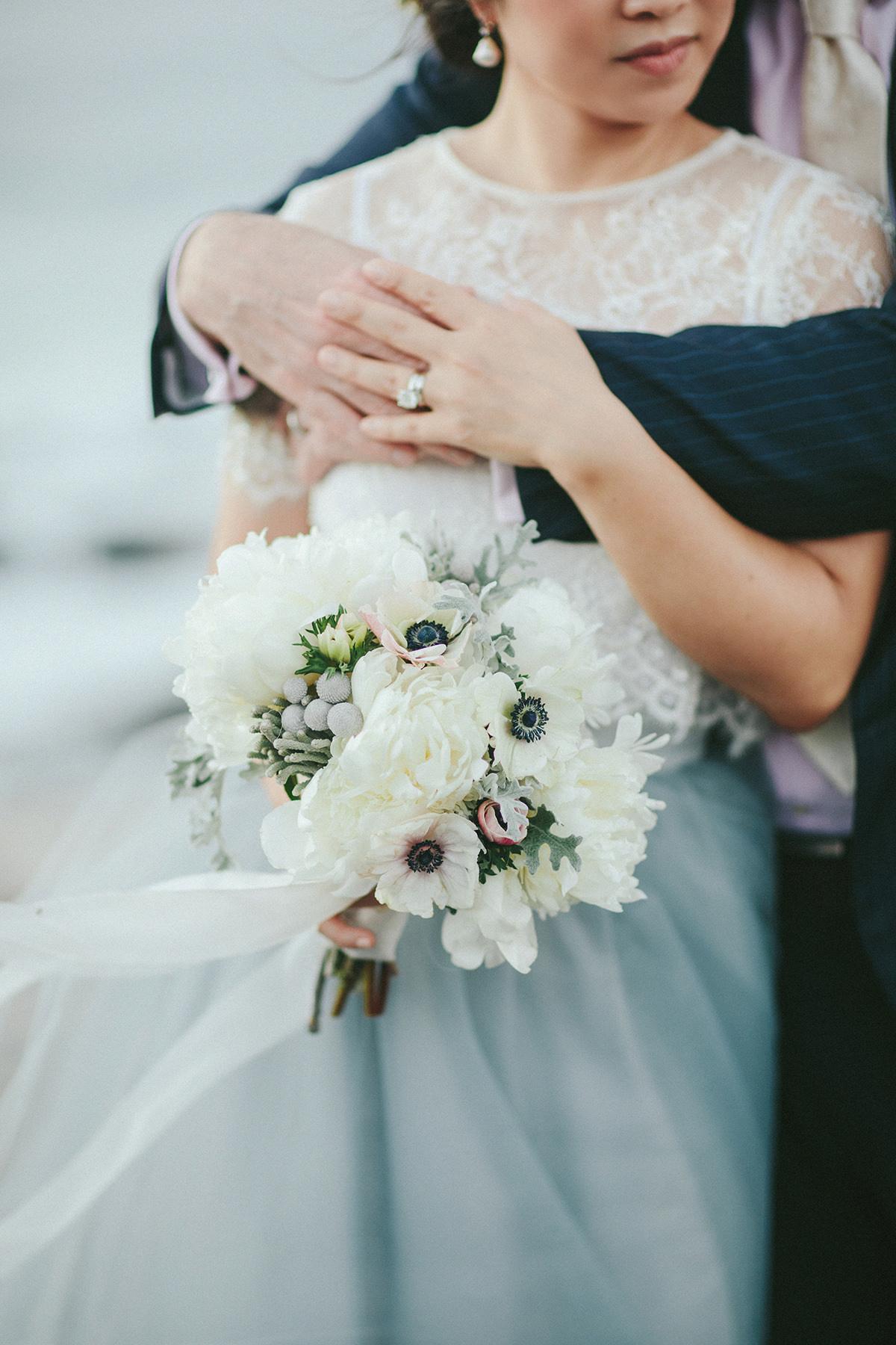 fine art hawaii wedding photography bouquet detail www.melialucida.com #bouquet #blue #ribbons